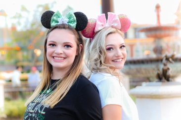 Lauren & Sarah - Magic Kingdom Shoot